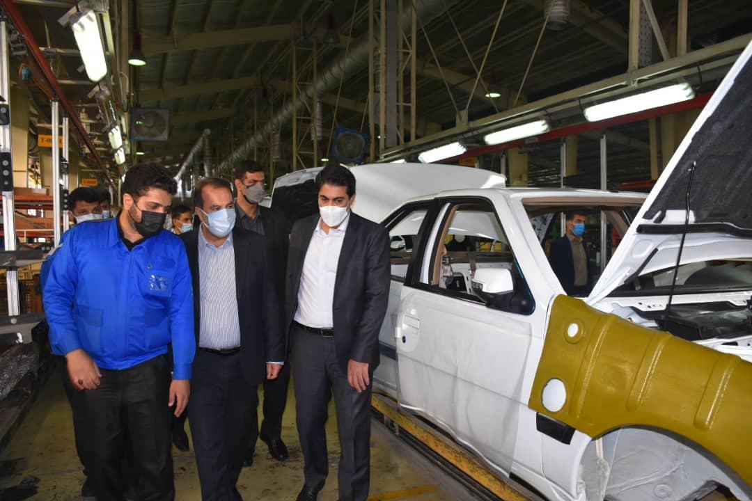 رئیس سازمان صنعت ، معدن و تجارت استان فارس در جریان بازدید از کارخانه ایران خودرو فارس تاکید کرد؛